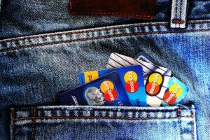 credit-cards-in-jean-pocket