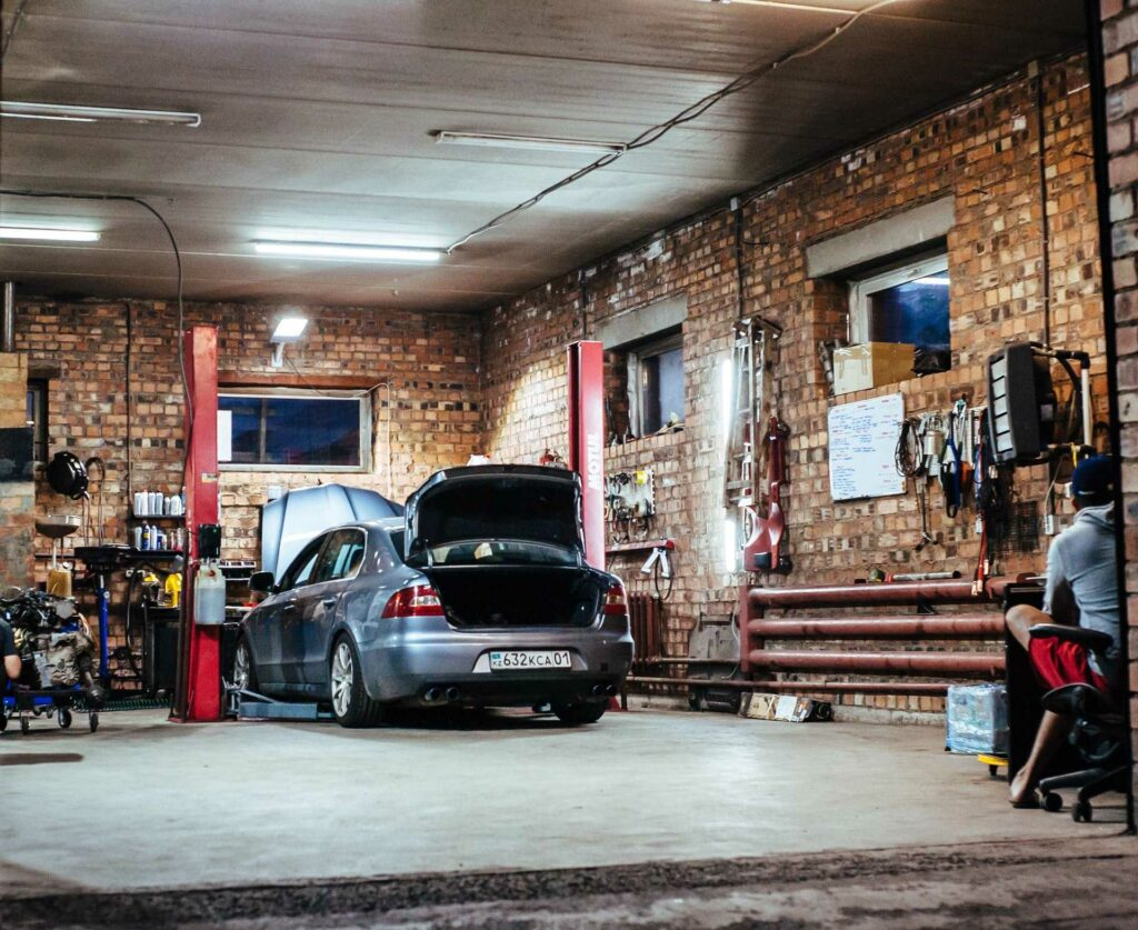 used-car-garage